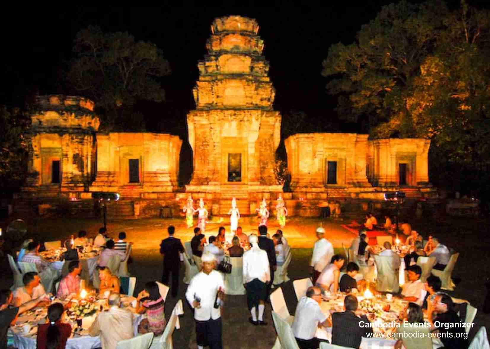 kravan-temple-dinner